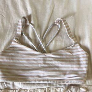 lululemon sports bra (size 6)